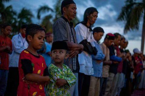 Ya son más de 2 mil los muertos en Indonesia tras sismo y tsunami