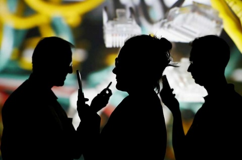 Falla en WhatsApp permitía hackeo con videollamada