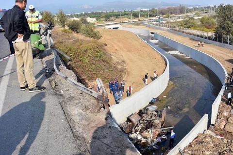 Mueren 22 inmigrantes en accidente de tránsito en Turquía