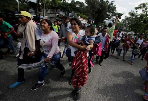 Arrestan en Guatemala a líder de caravana de migrantes que desató ira de Trump