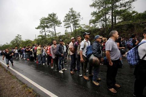 Caravana de migrantes prosiguen su marcha a pesar de Trump