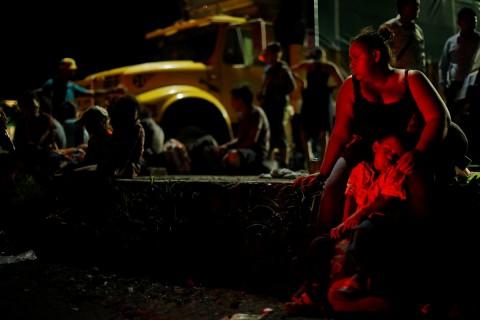 Niñas, niños y sus familias huyen de la violencia de las pandillas, de violencia de género, extorsión, pobreza y acceso limitado a educación de calidad y servicios sociales en sus países de origen. Foto: Reuters