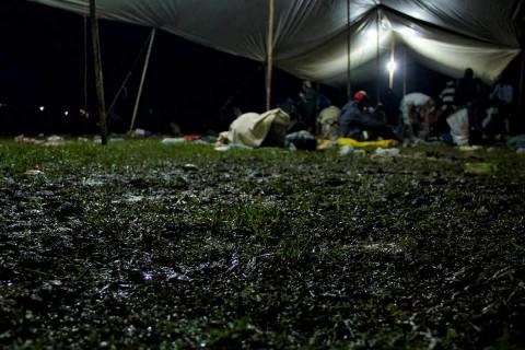 Por seguridad de veracruzanos, Yunes ofrece transporte a caravana migrante