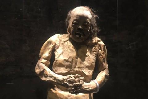 """Y como si fuera película de """"El Santo"""", las momias tuvieron que salir de su morada. Foto: Especial"""