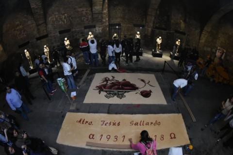 Momias, tapetes, música, gastronomía, baile, cine y más, se sienten a través de un Túnel de Tradición, celebrando el Festival del Día de Muertos 2018 en la emblemática Subterránea. Foto: Especial
