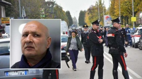 Mafioso italiano se atrincheró en una oficina de correos y tomó rehenes