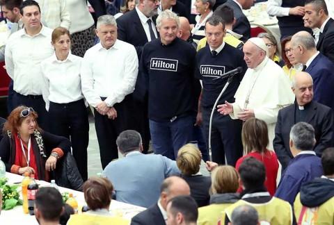 El Papa dedica jornada a los pobres y clama por ayuda
