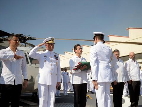El presidente Enrique Peña Nieto encabezó la conmemoración por el Día de la Armada. Foto: Especial