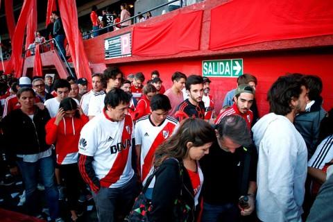 Conmebol suspende hasta nueva fecha la final entre Boca y River