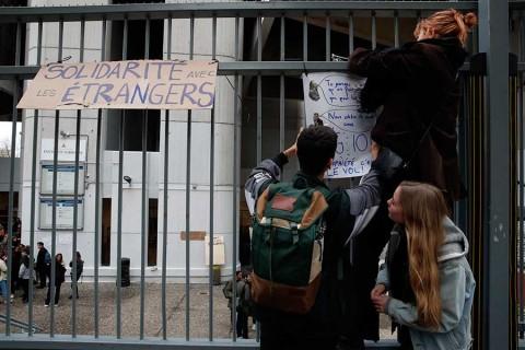 Desplegarán 89 mil policías en Francia por protestas del sábado