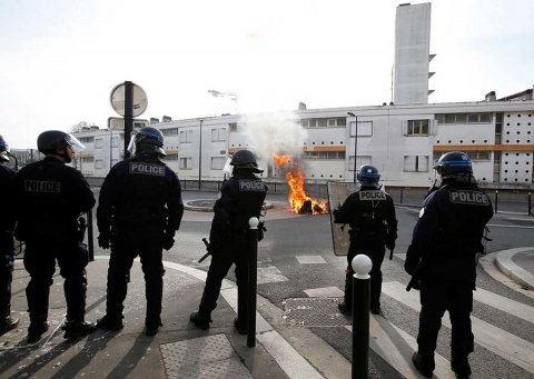 Cerrarán la torre Eiffel y museos de Francia por protestas masivas