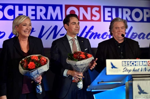Steve Bannon promueve alianza ultraderechista en Europa