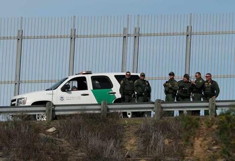 Si los demócratas no ceden, el Ejército construirá el muro: Trump