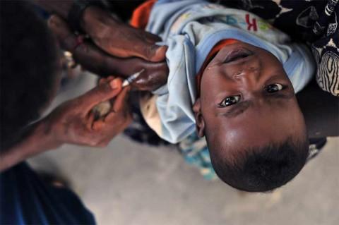 Acariciar a tu bebé tiene efectos analgésicos