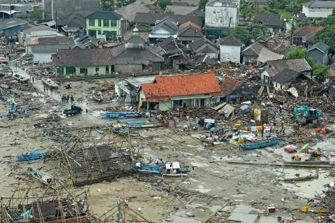 Busca Indonesia resolver misterio del tsunami 'volcánico'