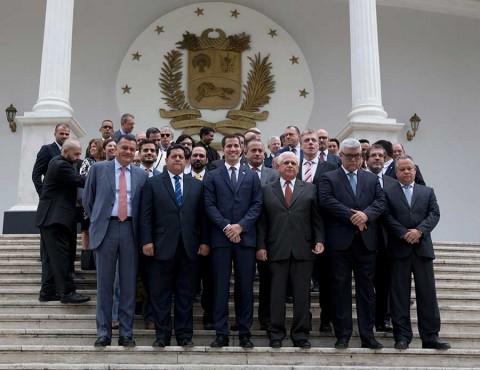 Nuevo líder del Parlamento de Venezuela apuesta por transición pacífica