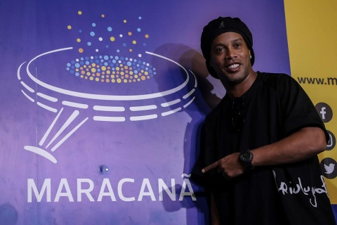 Ronaldinho homenaje Maracaná