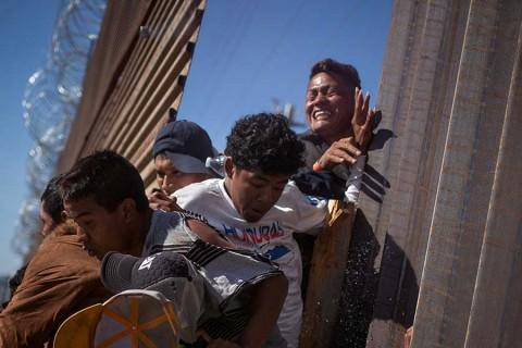 Trump mantiene opción de declarar emergencia por muro fronterizo