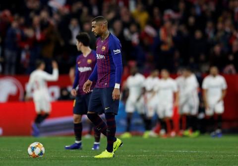 Sevilla pone al Barcelona contra las cuerdas