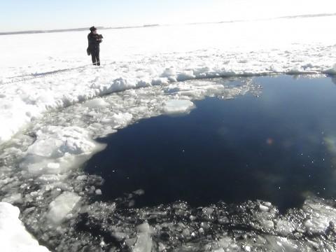El cráter que dejó el meteorito de Cheliabinsk