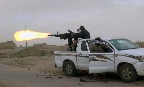 Combatientes se acercan a último bastión de EI en Siria
