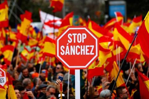 Miles marchan en reclamo de nuevas elecciones en España