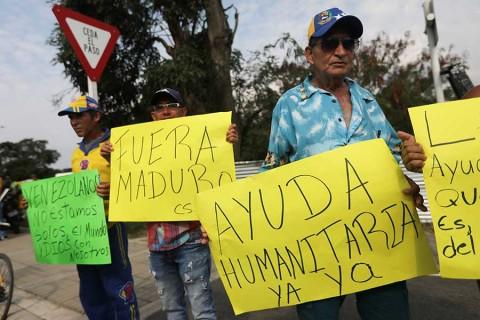 Oposición de Venezuela busca persuadir a fuerzas armadas