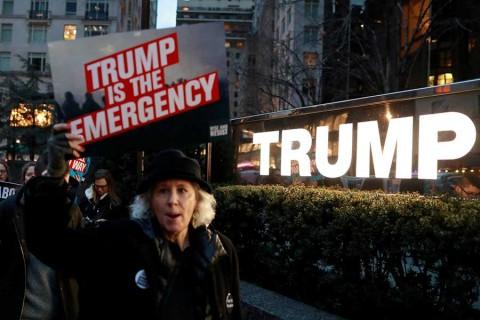 Convocan en Estados Unidos a protestar contra emergencia nacional de Trump