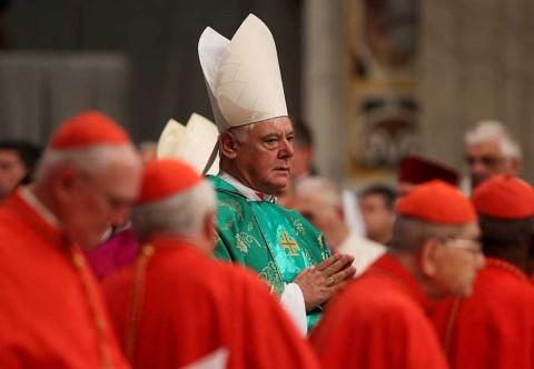 El Vaticano admite que hay un reglamento para curas con hijos