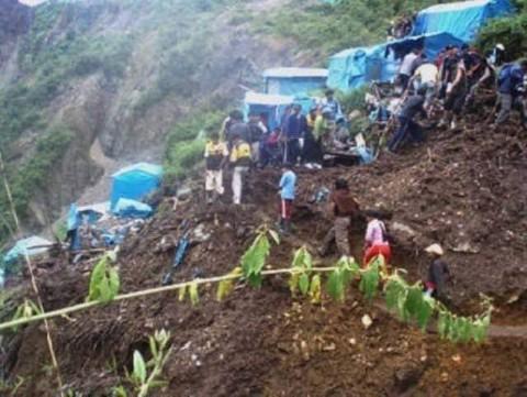 Alud sepulta campamento minero en Perú; reportan dos muertos