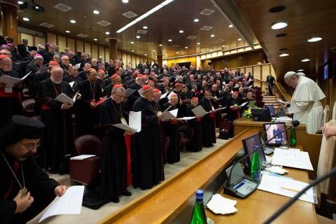 Víctimas presentan contrapropuesta para erradicar abusos en la Iglesia católica