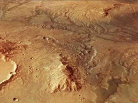 Hallan evidencia de sistema de agua subterránea en Marte