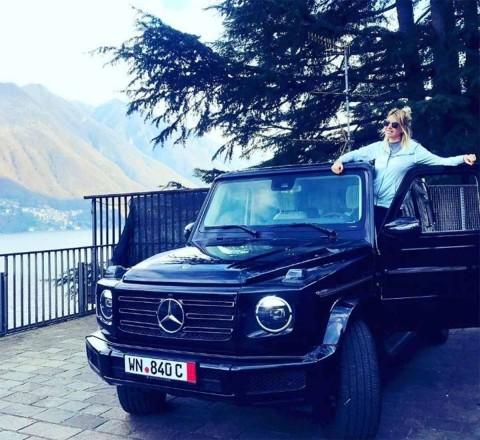 Esposa de Icardi presume su lujosa camioneta