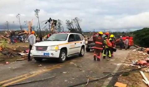 Suman 23 muertos en Estados Unidos por tornados