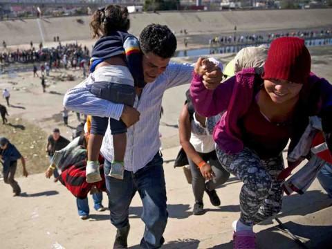 Casi 2 mil migrantes están en cuarentena por enfermedad en EU