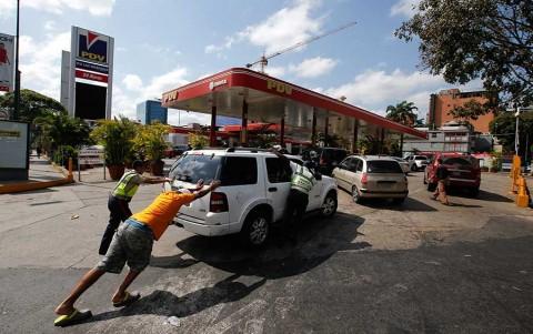 Venezuela sigue paralizada por apagón masivo