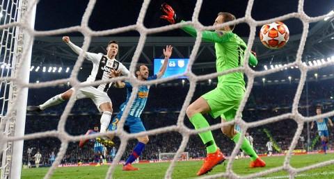 Cristiano remata de cabeza y mete el primer gol de la Juve. El 1-2 global.
