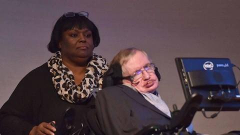 La enfermera de Stephen Hawking, inhabilitada por desatender al científico