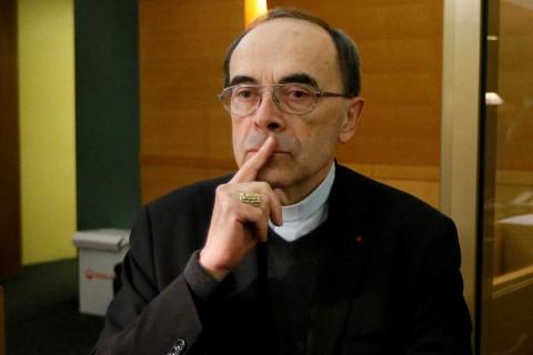 Cardenal francés condenado por encubrir pederastia se reúne con el Papa tras anunciar su renuncia