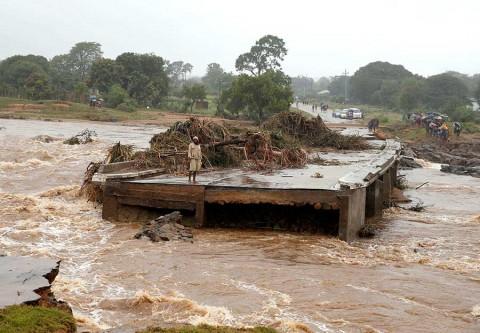 Ciclón causa catástrofe en África; temen más de mil muertos