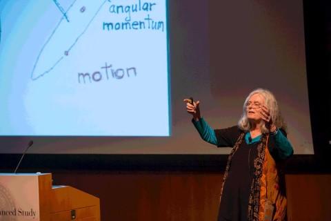 """La estadunidense Karen Keskulla Uhlenbeck se ha convertido hoy en la primera mujer en ganar el premio Abel, considerado el """"Nobel"""" de las matemáticas"""