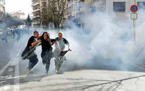 'Chalecos amarillos' marchan en Francia bajo extrema vigilancia