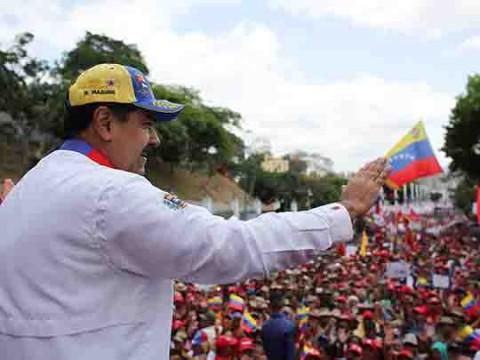 Gobierno ordena cese nacional en Venezuela para amainar apagón