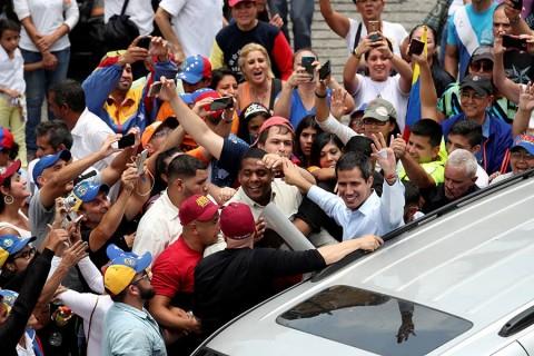 Promueve Guaidó intervención internacional en Venezuela, pero en cooperación