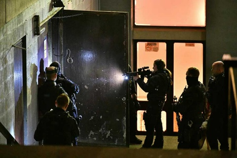 Apuñalan a 4 personas en Londres; policía busca a sospechoso