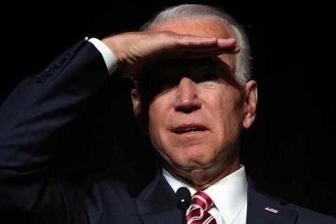 Nominada demócrata lo denuncia, pero Biden niega comportamiento inapropiado
