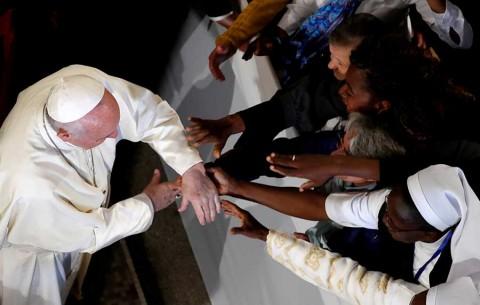Aboga Papa por diálogo interreligioso en visita a Marruecos