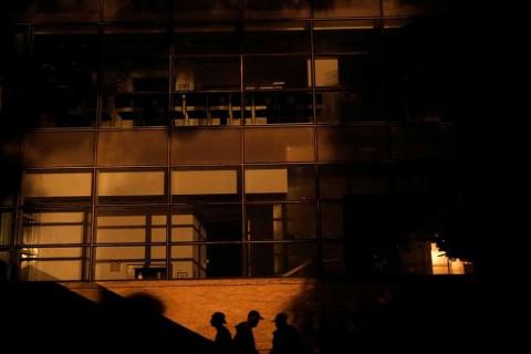 Venezolanos protestan contra apagones, en séptimo día de fallas