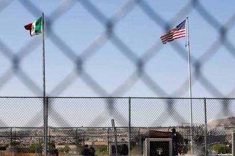 Trump rebaja tono con México; resalta detenciones de migrantes
