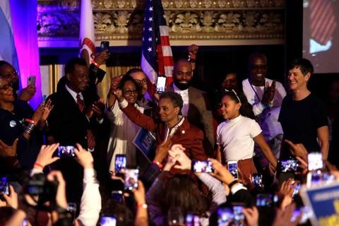 Elige Chicago a su primera alcaldesa afroamericana y gay